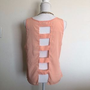 Tops - Open back peach colored tank top